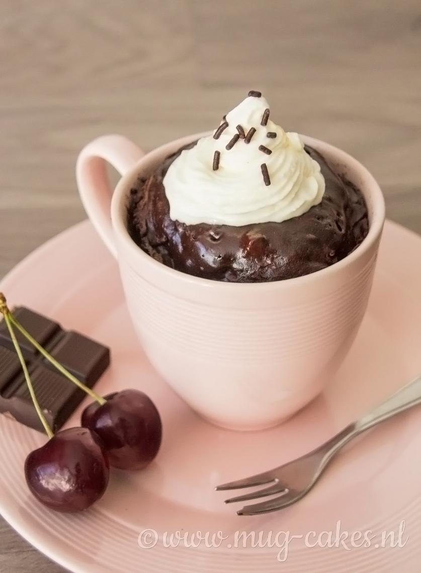 Chocolade Mug Cake met Kersen