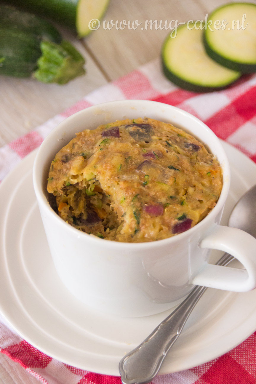 Hartige Mug Cake met Courgette